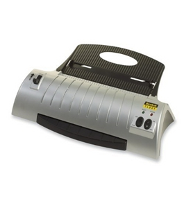 Scotch Thermal Laminator Combo Pack, Includes 20 Laminating Pouches, 9 Inches x 11.4 Inches (TL901SC)